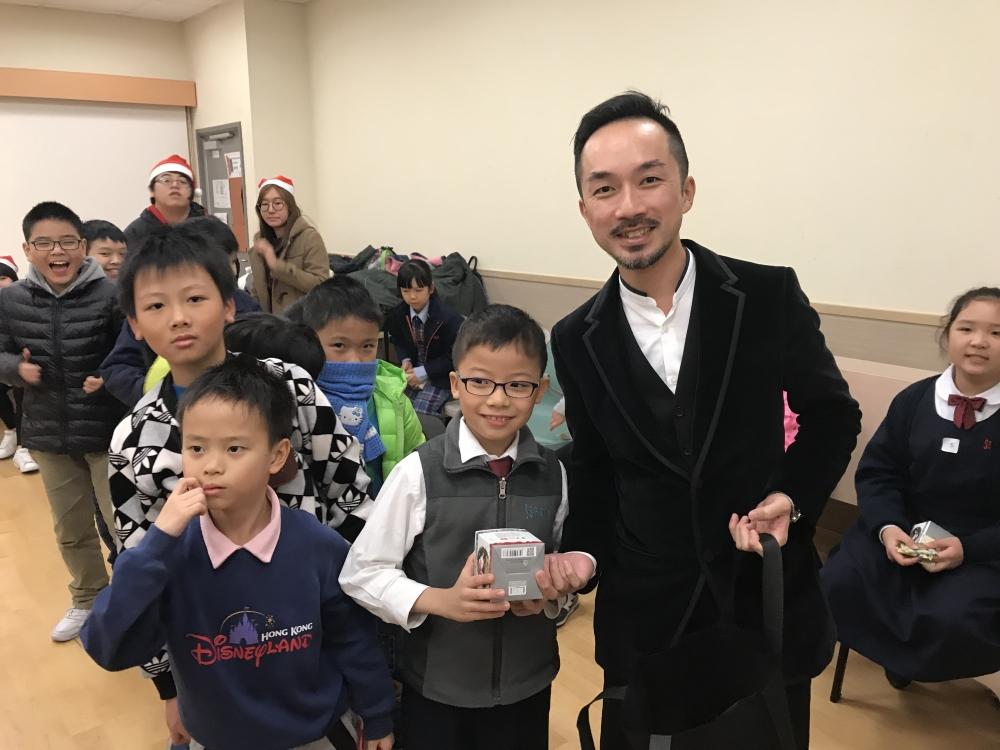 籌募委員Mr. Tim Tse出席YMCA位於西九耀信發展學習中心的聖誕聯歡會